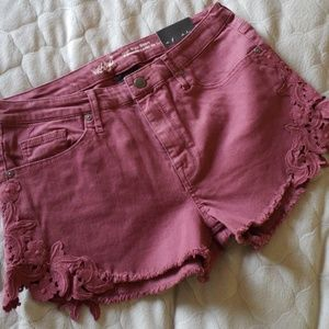 (Nwt)Short with tag(not price tag)